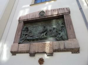 Budapest-Wesselényi-Miklós-az-árvízi-hajós-emléktáblája.V.k.Ferenciek-temploma